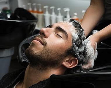 Los mejores masajes capilares para hombres